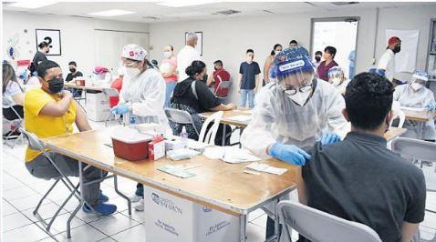 Continuan las Vacunaciones en Bayamón