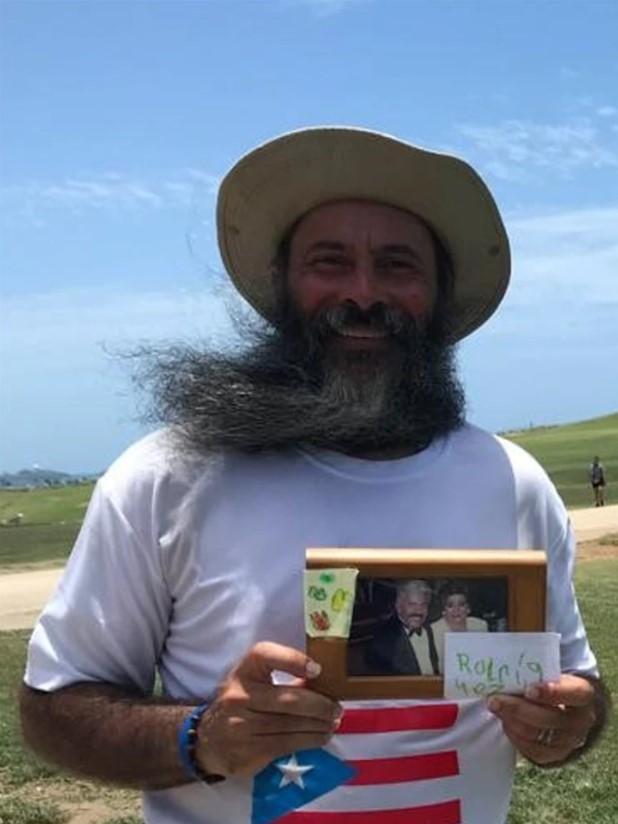 Bayamonés Camina Alrededor de la Isla en Honor a su Madre Fallecida de Cáncer