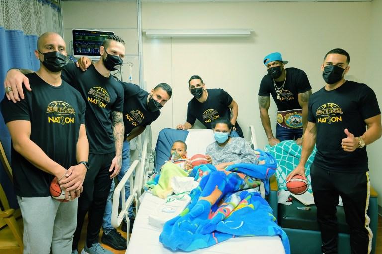 Vaqueros de Bayamón Visitan Niños Ingresados en Bayamón Medical Center