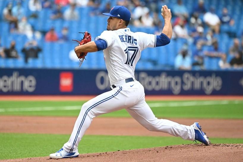 """Impresionante Debut de José Berríos con los Blue Jays de Toronto: """"Me Siento Muy Feliz por lo que Hice Hoy"""""""