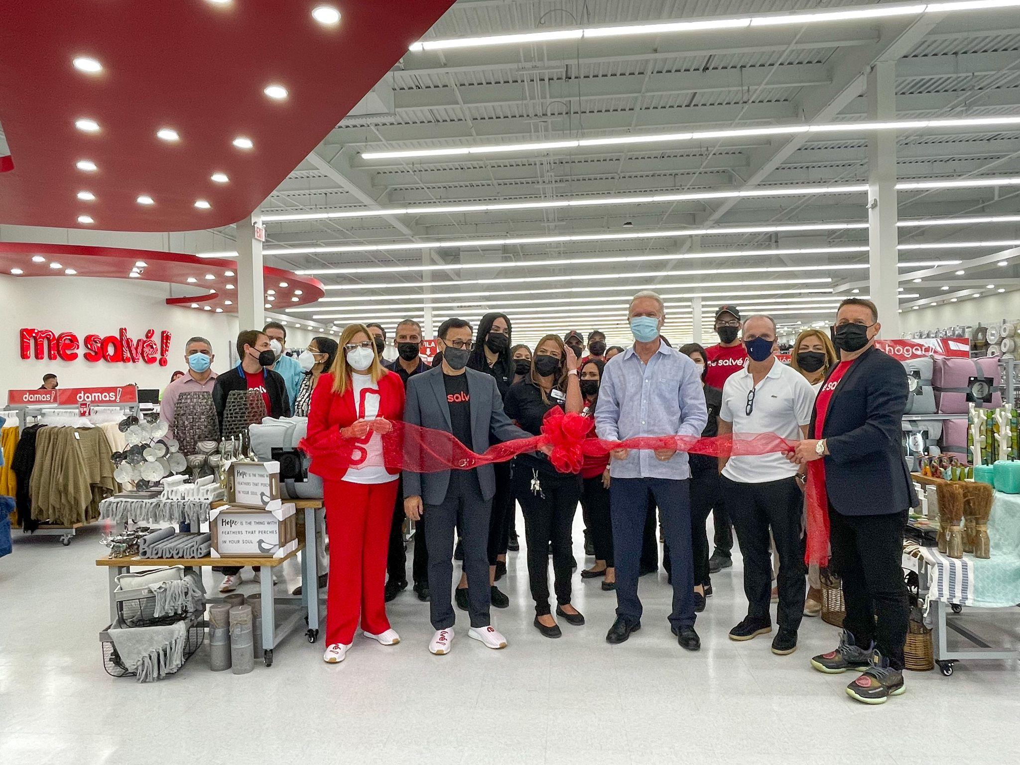 Abre Tienda Me Salvé en el Centro Comercial de Los Filtros en Bayamón
